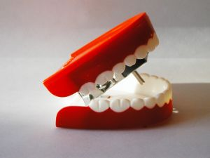 424092_chatter_teeth_1